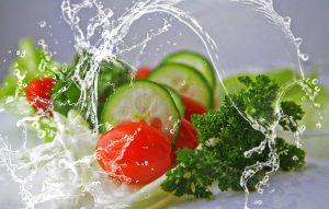 冬でもやっぱり食べておきたい「生野菜サラダ」