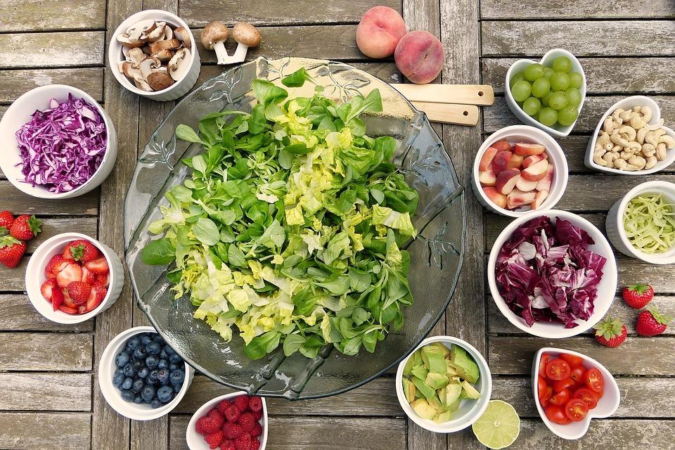 寒い冬、生野菜サラダはどうする?